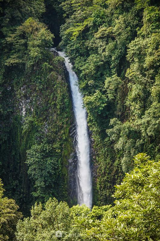 Parte superior de la Catarata Río Fortuna