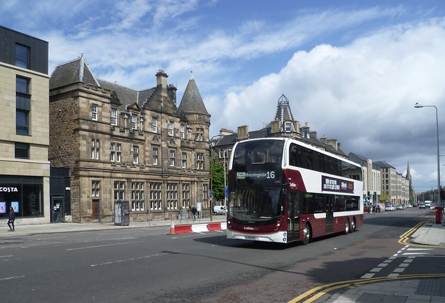 Lothian 1087 southbound on Leith Walk, Edinburgh.