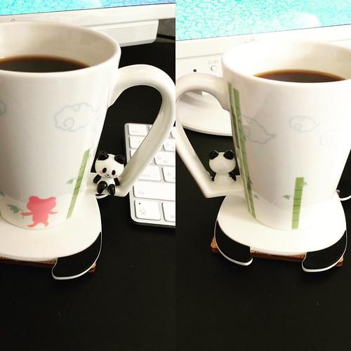 パンダマグ可愛い。 でも左側に置いて左手で持つ癖があるから、パンダにそっぽ向かれた感じになります。