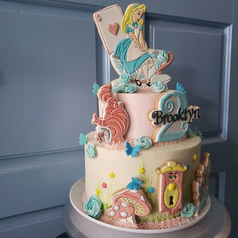 Cake by Sweet Fabula