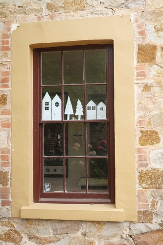 hahndorf reflection windows 021072 rx100m6 southaustralia australia windowwednesdays window fenster frame outdoor outside dwwg