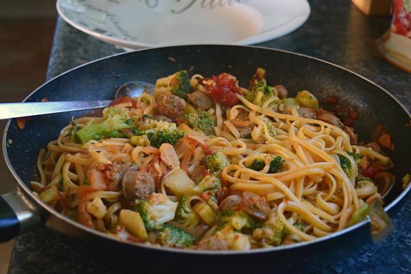 Pâtes aux saucisses et brocoli