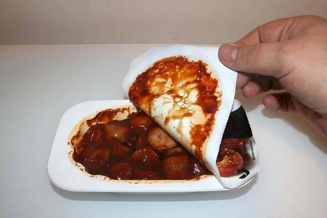 07 - Busse Currywurst - Folie abziehen / Remove foil