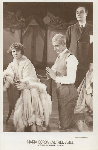 Maria Corda and Alfred Abel in Der Gardeoffizier