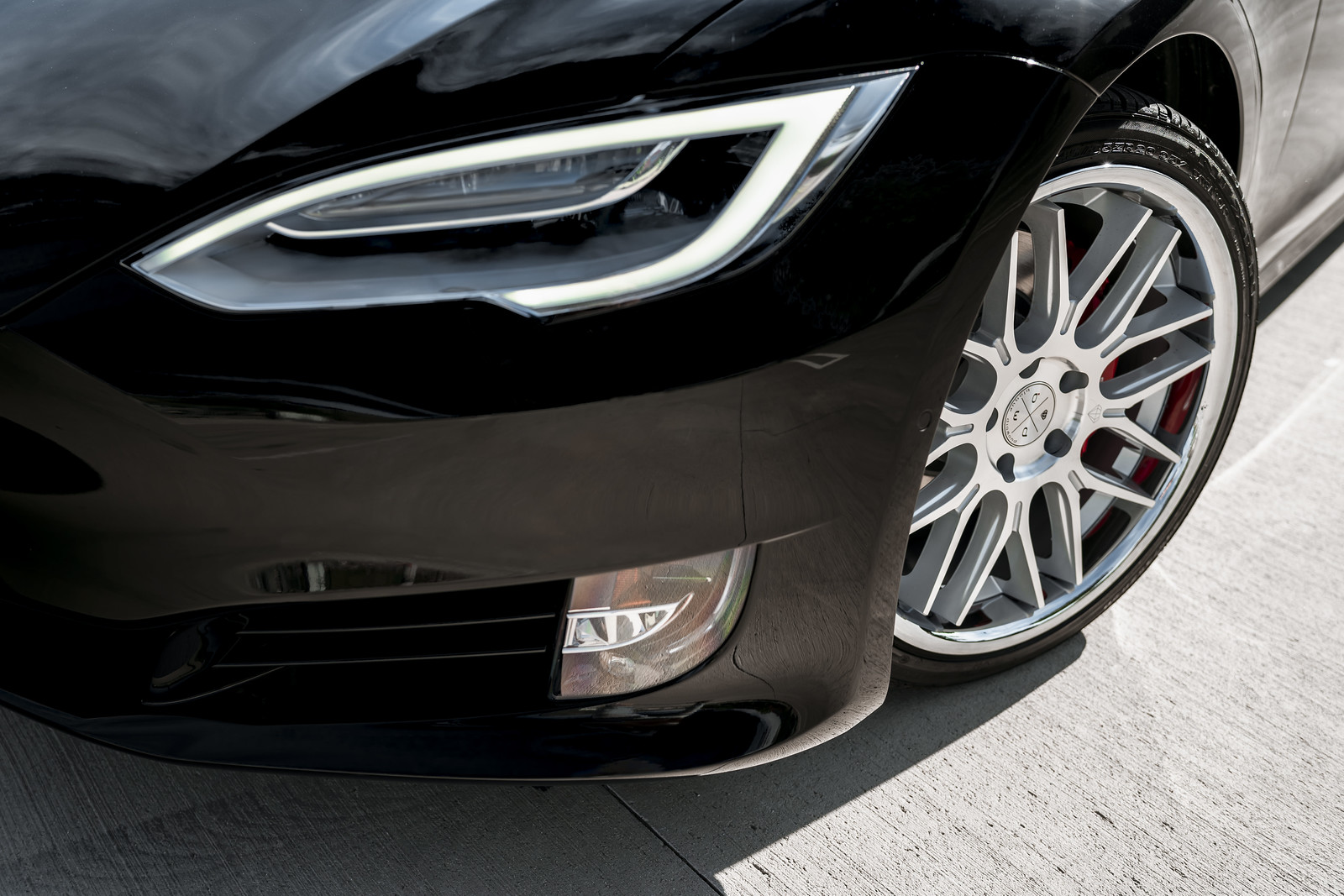 2020_Tesla_Model_S_BD27_Silver_Machined_Face_Chrome_SS_Lip_2