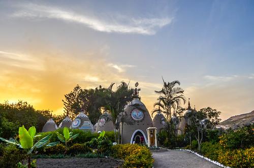 peru peruvian viaje conocer eco truly park road travel krishna templo lima