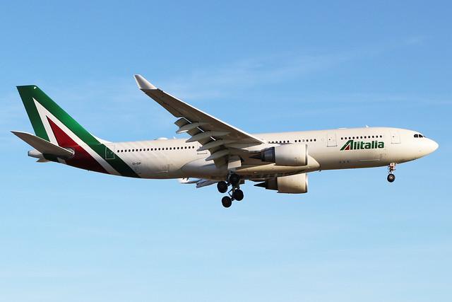 EI-DIP  -  Airbus A330-202  -  Alitalia  -  LHR/EGLL 20-5-20