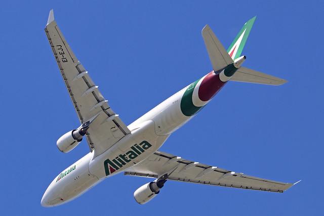 EI-EJJ  -  Airbus A330-202  -  Alitalia  -  LHR/EGLL 20-5-20