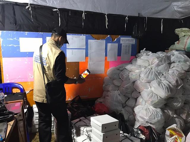 Dukungan program bantuan bagi warga Leuwi Sadeng - Bogor, yang terkenan musibah banjir.   Pertengahan bulan Mei ini juga ada penyaluran bantuan bagi para warga sekitar Taman Bacaan Masyarakat wilayah DKI Jakarta.  Bantuan ini dibawah koordinasi Nandha Jul
