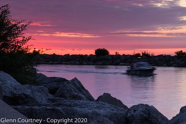 Leaving Bronte Harbour at sunrise