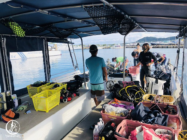 1ヶ月半ぶりの海にプロ集団も少年少女にw
