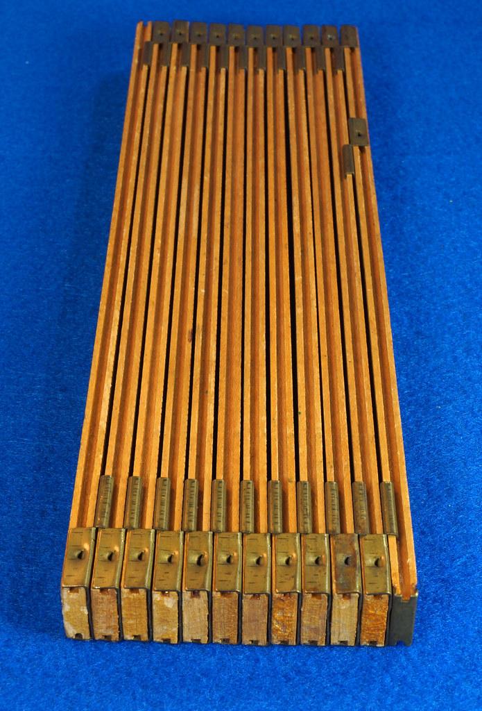 RD22097 Vintage Carpenter Master Rule Mfg. Co. Inc.  N.Y.  USA Interlox No. 106 Wood Rule 6 ft DSC05071