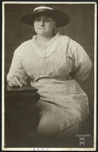 ArchivTappenW903 Frauenporträt, Postkarte, USA, 1900er