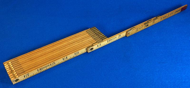 RD22097 Vintage Carpenter Master Rule Mfg. Co. Inc.  N.Y.  USA Interlox No. 106 Wood Rule 6 ft DSC05076