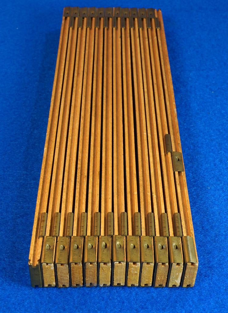 RD22097 Vintage Carpenter Master Rule Mfg. Co. Inc.  N.Y.  USA Interlox No. 106 Wood Rule 6 ft DSC05072