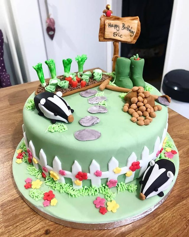 Cake by Helen's Creative Cakes
