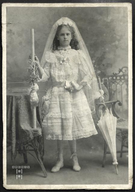 ArchivTappenW902 Erstkommunion, Mädchen, 1910er