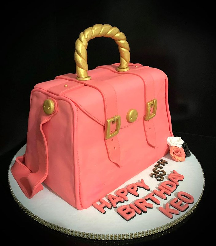 Cake by CAKE it Designs