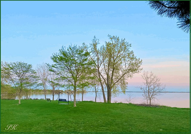 Early Evening at the Lakeshore (Explore #433, May 21, 2020) ...