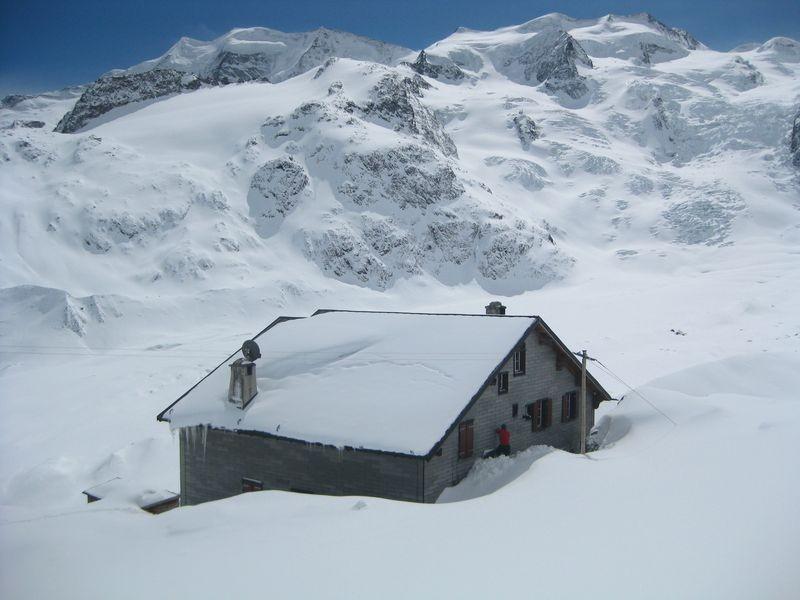 Chamanna Boval / Bovalhütte Bernina Schweiz foto 02