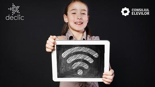 Țară, țară, vrem laptopuri pentru școala online!