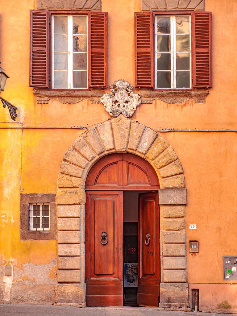 N°10, Piazza XX Settembre, Volterra, Italia (explored)