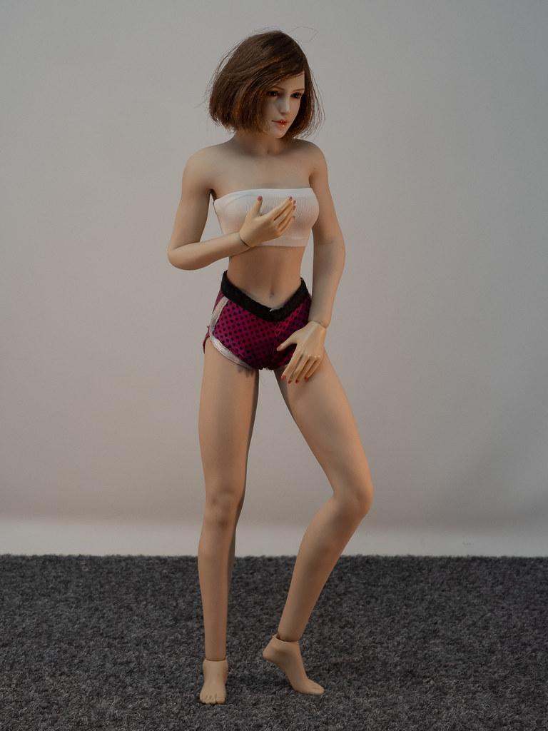 Phicen Female Posing Guide 49919462323_4f8374b2a1_b