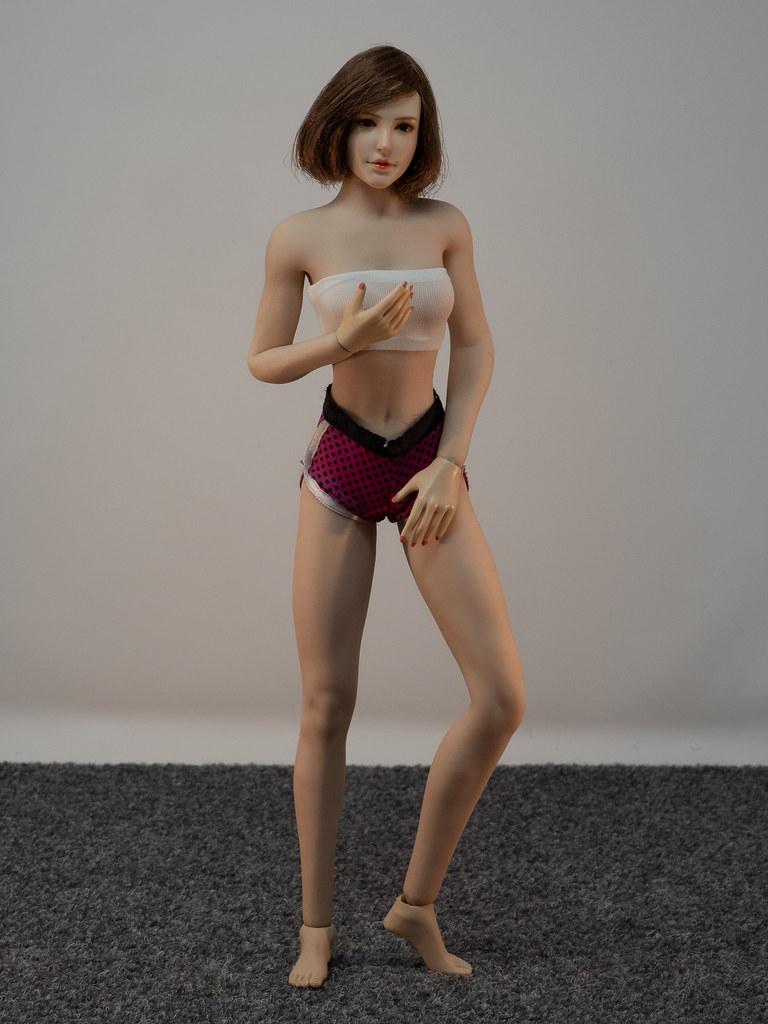 Phicen Female Posing Guide 49919464503_d4387daa2f_b