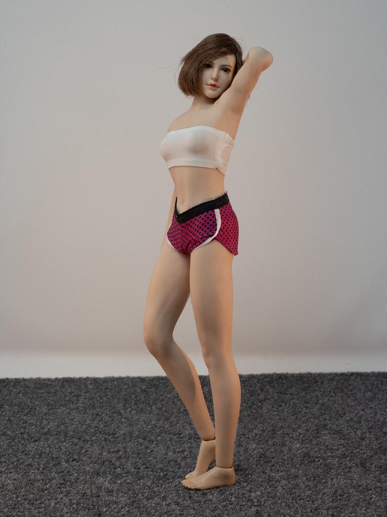 Phicen Female Posing Guide 49919464613_9f2ef078ca_b