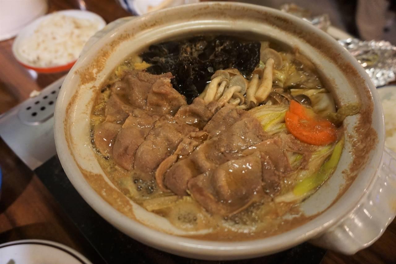 位ヶ原山荘の夕食(シカ鍋)
