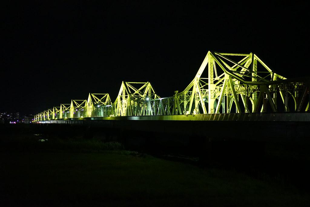 長生橋のライトアップ 長岡市