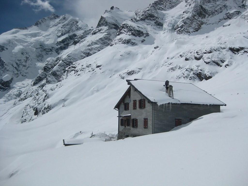 Chamanna Boval / Bovalhütte Bernina Schweiz foto 01