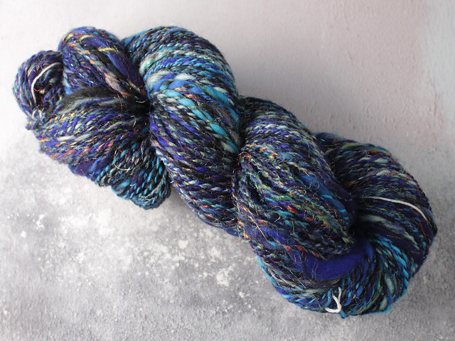 Handspun chunky / bulky thick-and-thin slub sparkle art yarn 103g – blues