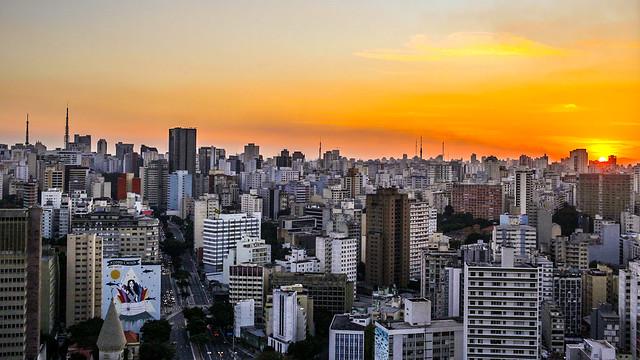 Pôr do sol na cidade / Sunset in the city / Coucher de soleil dans la ville