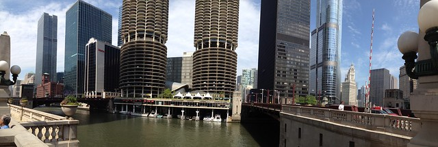 Panorama at Wacker Drive and State Street