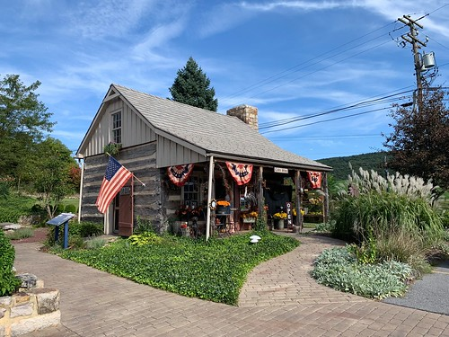 The log cabin gift shop on the Jean Bonnet property. From Why Bedford, PA was the Perfect Place for a Mother/Daughter Trip