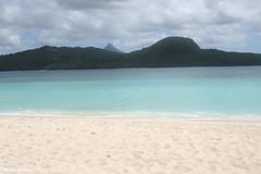 Sur l'îlot de sable blanc