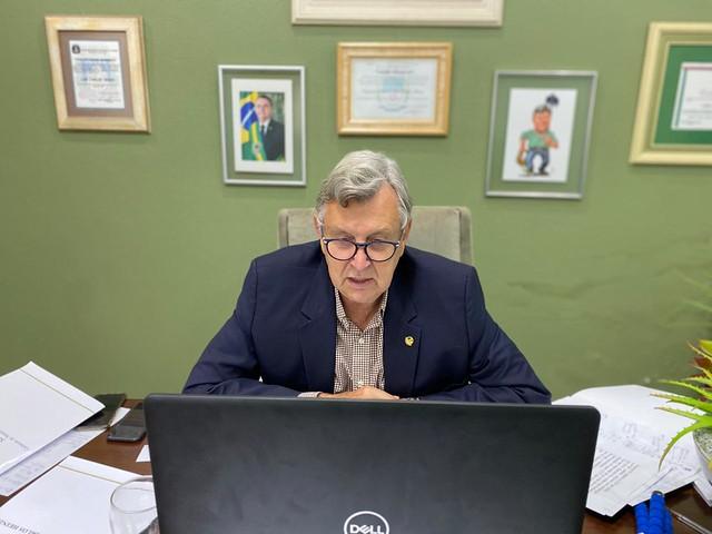 21/05/2020 Senador em reunião com Agtechs