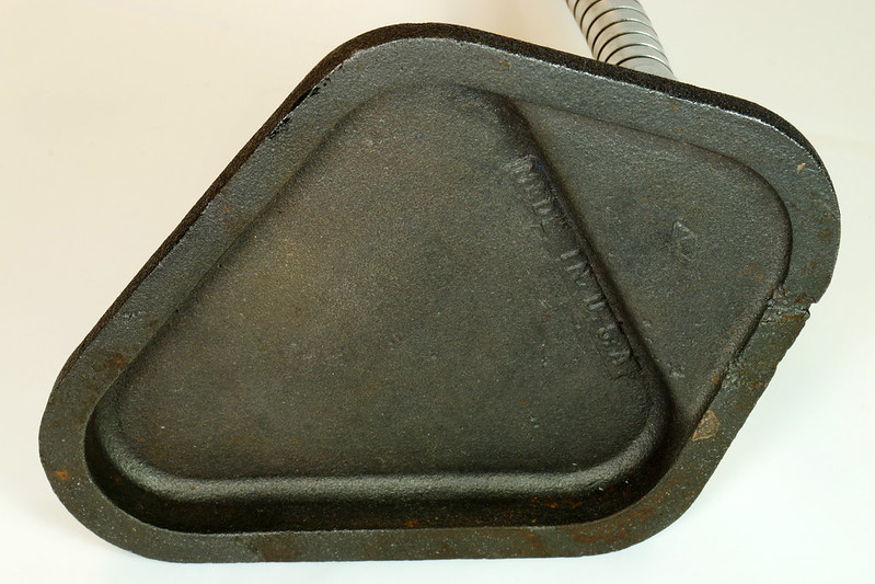 RD28937 Vintage Magnifying Glass Cast Iron Stand Gooseneck Jeweler Steampunk Made in USA DSC05135