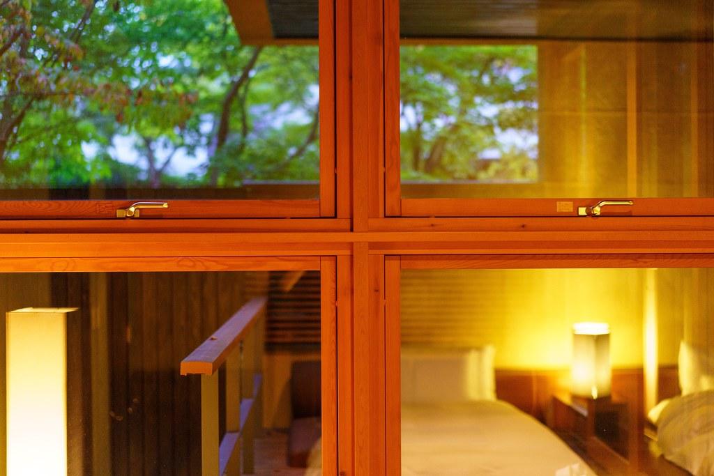 山路地の部屋 大きな窓