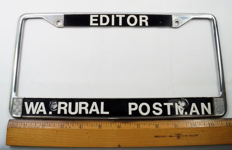RD17019 Vintage Steel License Plate Frame EDITOR WA. RURAL POSTMAN DSC05164