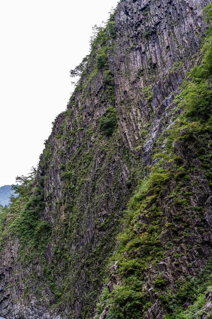 柱状節理の壁
