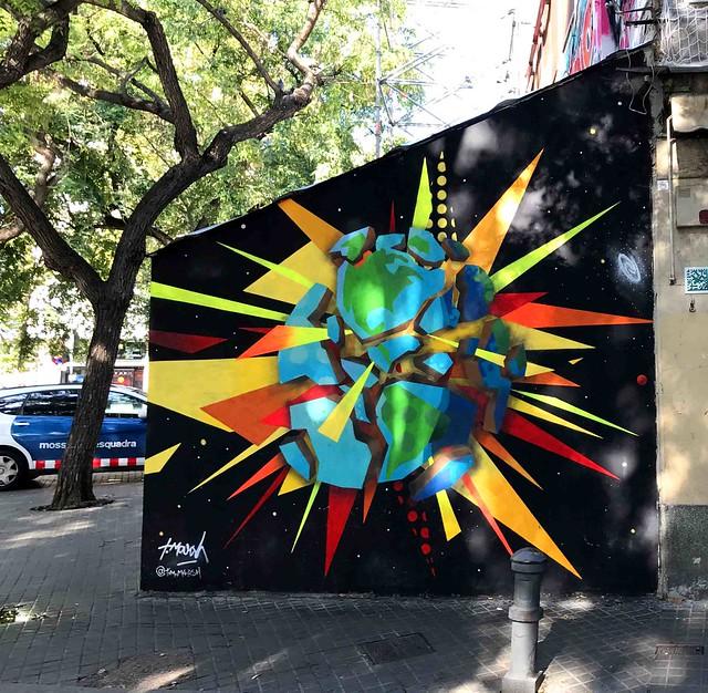 La CIUDAD cuenta lo que sus muros hablan - The CITY tells what its walls speak.
