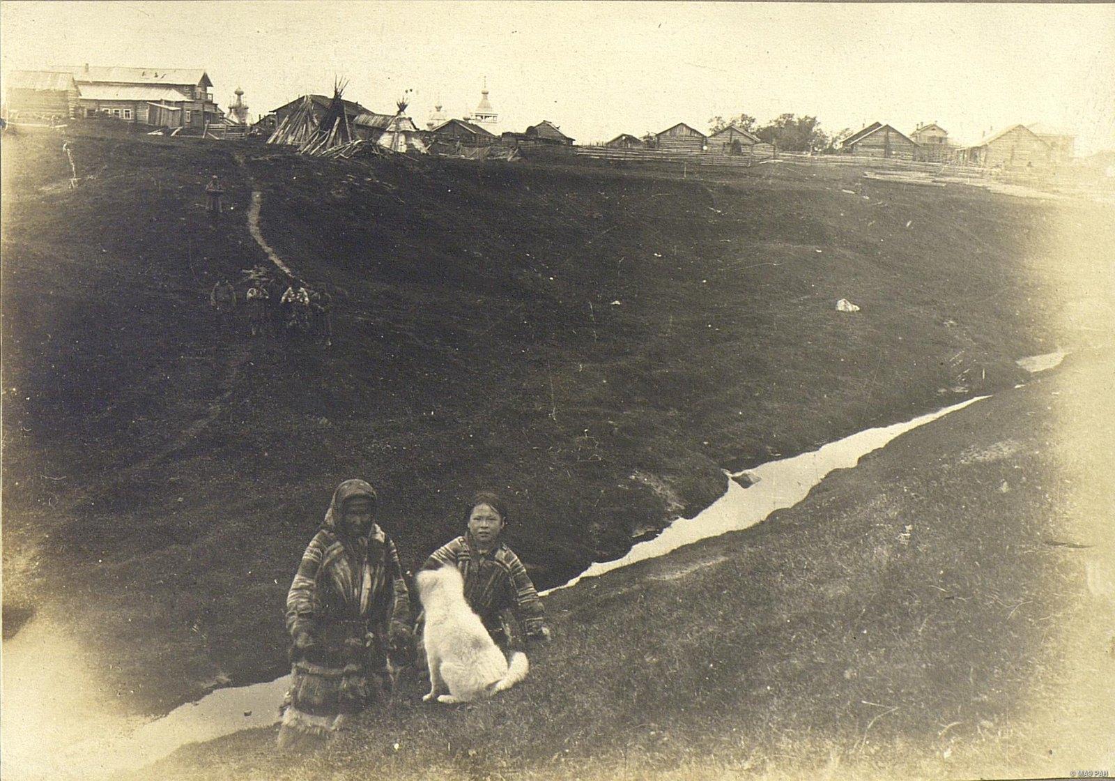 Мезень. Вид на город со стороны тундры