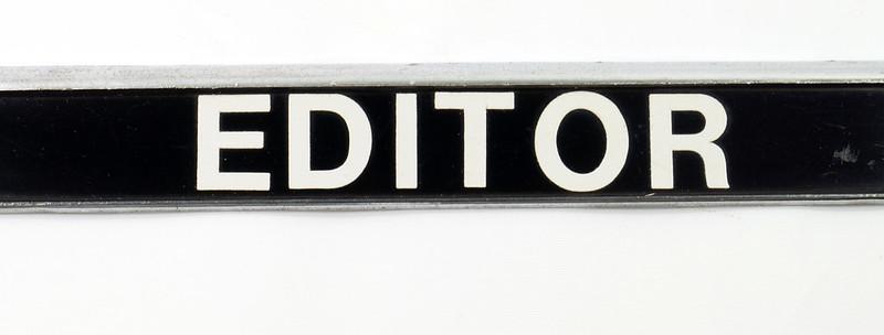 RD17019 Vintage Steel License Plate Frame EDITOR WA. RURAL POSTMAN DSC05166
