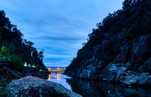 water reflections rocks shadows australia tasmania bluehour launceston earlymorninglight changinglight bluedawn nikond850 luminosity7 citylights cataractgorge covid19 covertphotosdiary