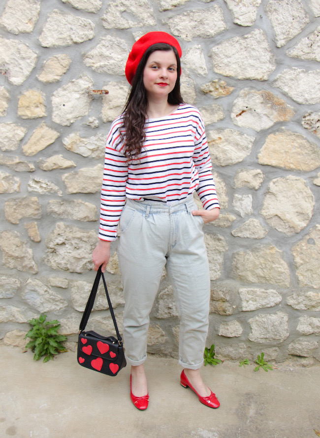 Look petite frenchie en marinière, jean, béret et ballerines