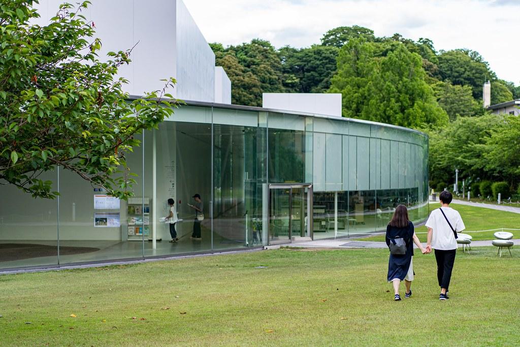 金沢21世紀美術館 歴史ある町の現代アート美術館