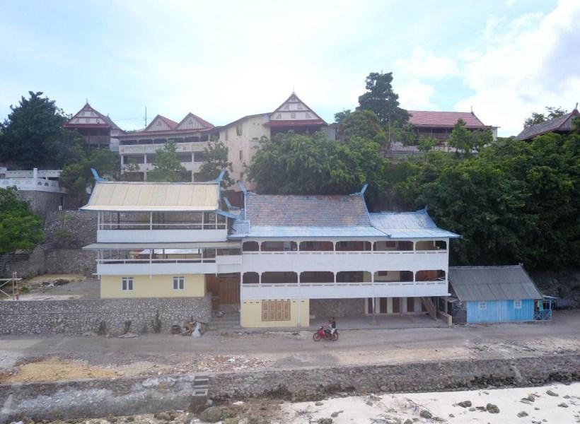 phinisi hostel