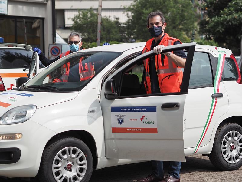 """""""Vicini alle montagne, noi ci siamo"""": la consegna delle 53 auto CAI ad Anpas"""